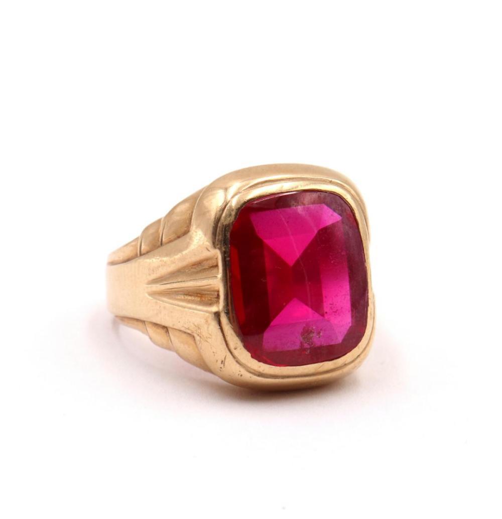 10Kt Yellow Gold & Semi-Precious Stone Ring