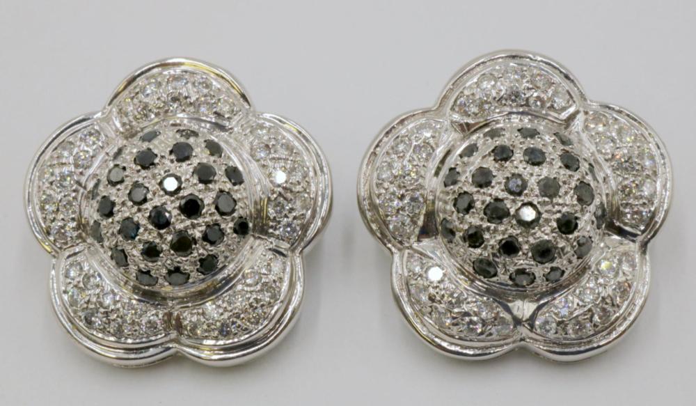 18Kt White Gold 1.35ct. Diamond Flower Earrings