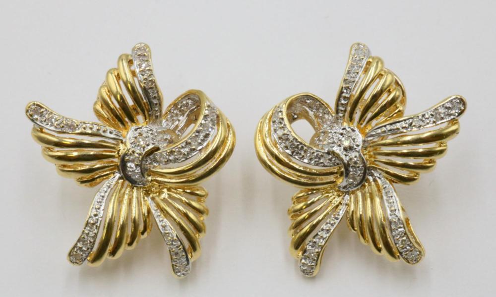 14Kt Diamond Flower Earrings