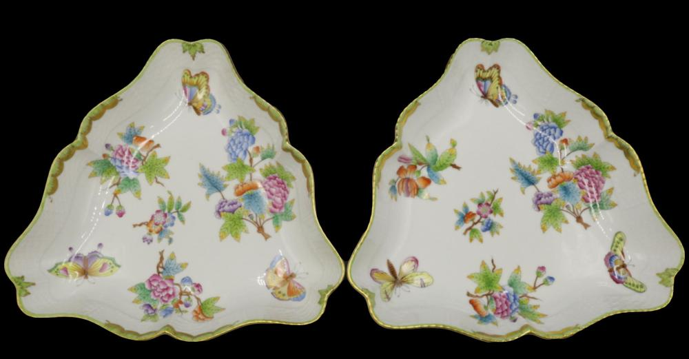 """2 Herend """"Queen Victoria"""" Porcelain Triangle Dishes"""