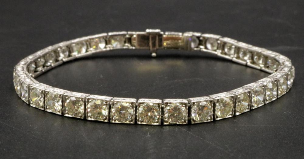 Art Deco 14Kt 9.76ct. Diamond Tennis Bracelet