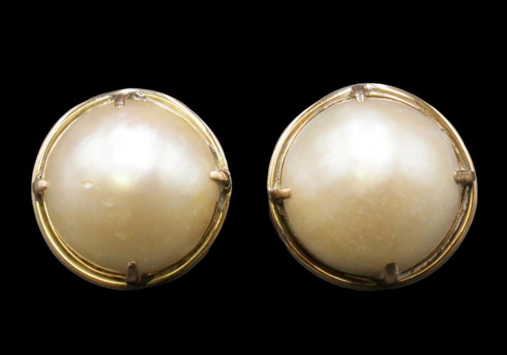 14Kt Mobe Pearl Earrings