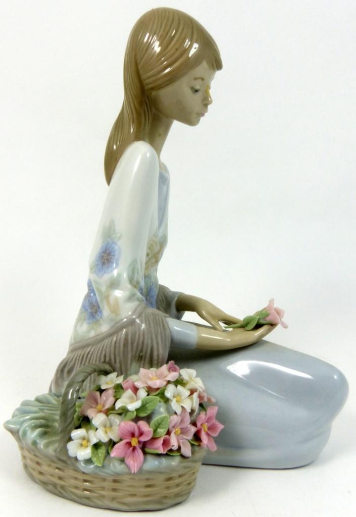 Lladro flower song porcelain figurine