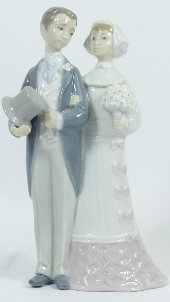 RETIRED LLADRO #4008 WEDDING PORCELAIN FIGURINE