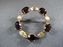 Broche, 14 k yellow gold & garnets, 8 grams