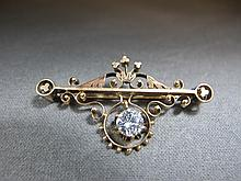 Antique broche, 14 k gold, 0.80 ct diamond, 6 grams
