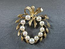 Broche, 14 k yellow gold diamond & pearls, 8 grams
