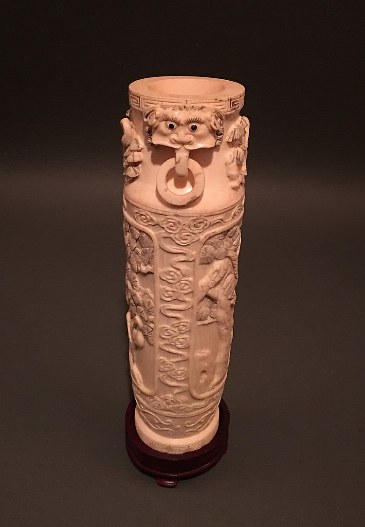 An 18 century fine chinese antique ivory vase for Asian antiques uk