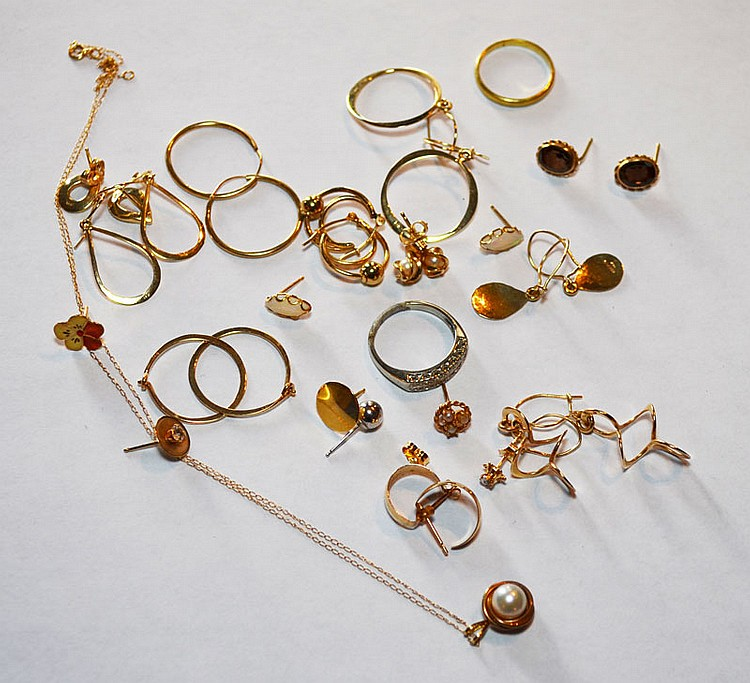 Lot of 14k & 18k Gold Jewelry