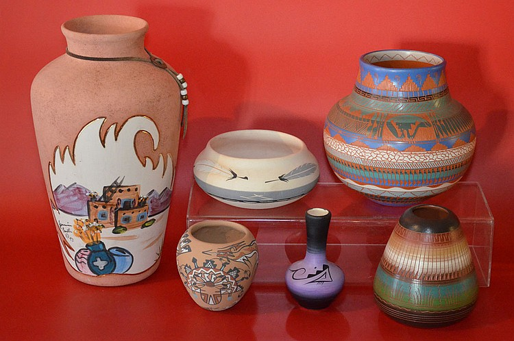6 Native American Indian Pottery Vases, Navajo