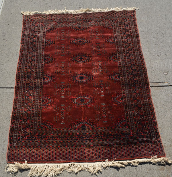 Lovely Oriental Area Carpet / Rug