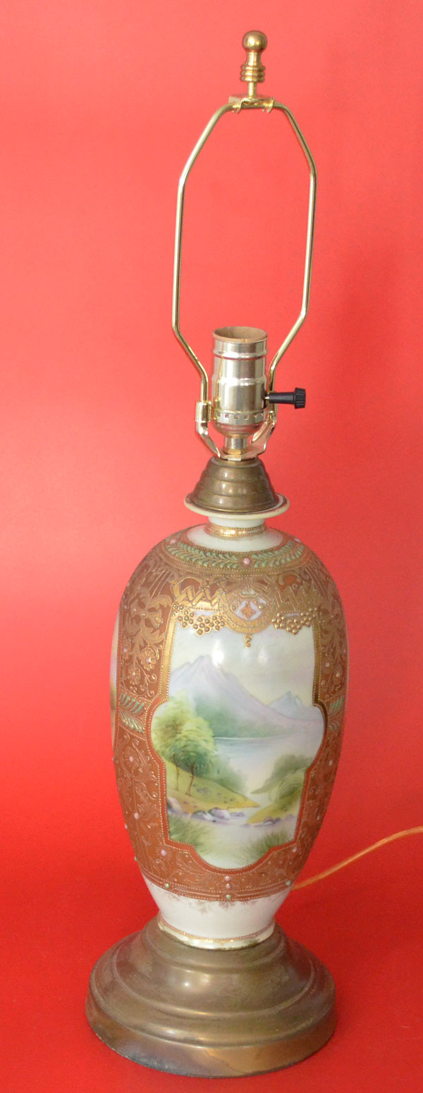 Hand Painted Moriage Nippon Scenic Table Lamp