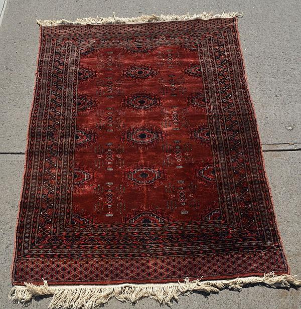 Lovely Oriental Area Carpet / Rug
