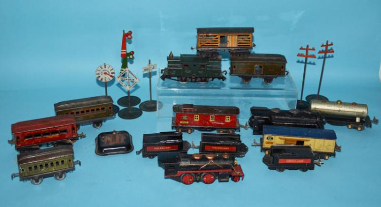Lot of Vintage Trains (Ives, Lionel)