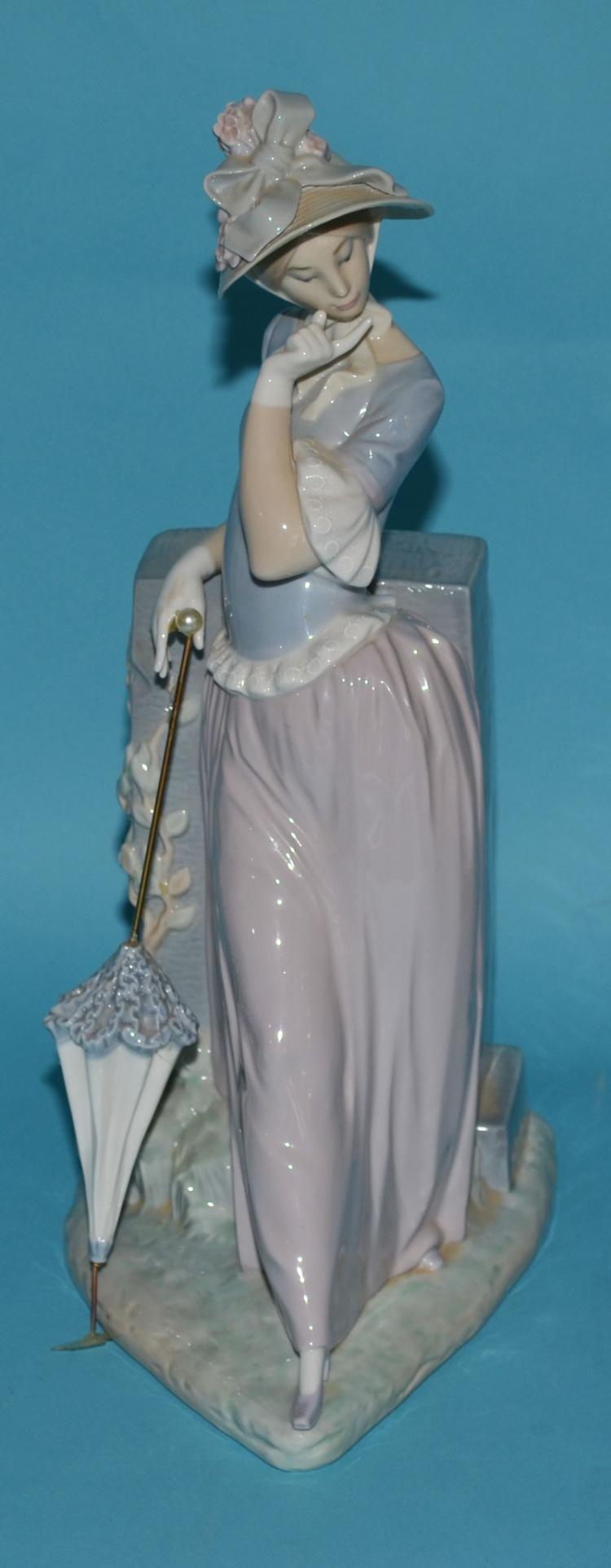 Large Lladro Porcelain Woman w Parasol 4850,