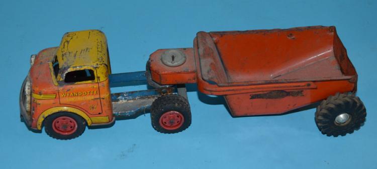 4 Vintage Tin Toy Trucks (Marx, Wyandotte)