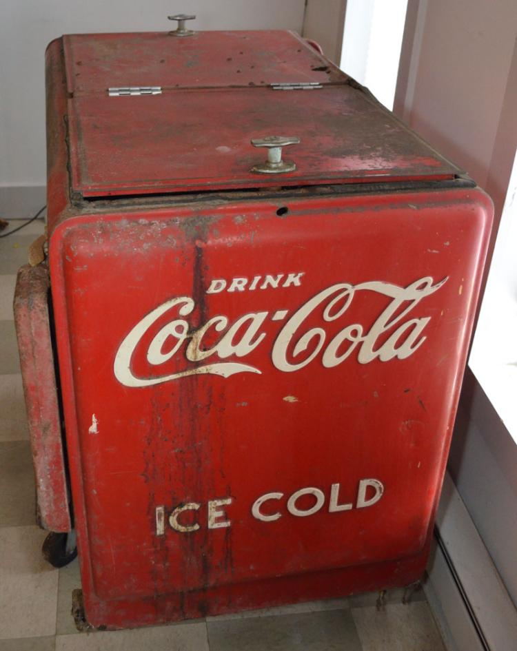 1940s electric coca cola cooler chest. Black Bedroom Furniture Sets. Home Design Ideas