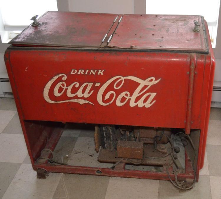 1940s electric coca cola cooler chest. Black Bedroom Furniture Sets. Home Design Ideas
