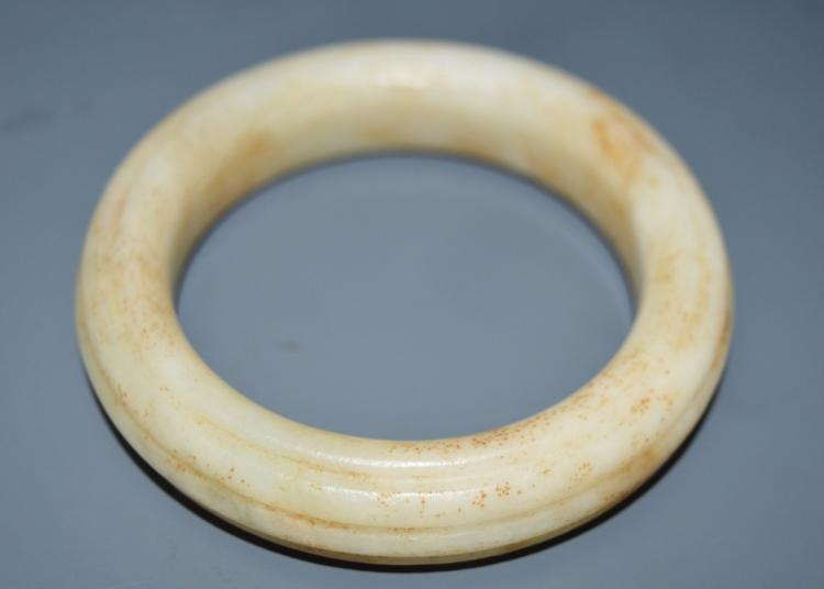 Fine Quality White Jade Bangle