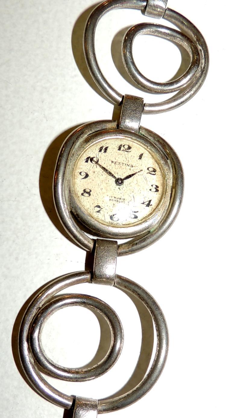 CLOCK JEWEL Festina 70's. Quartz.Stack is missing
