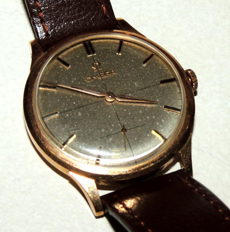 OMEGA.BRACELET WATCH FOR GENTLEMAN in yellow gold.Numbering with strokes and seconds at six o'clock.Diameter approx: 3.4 cm.