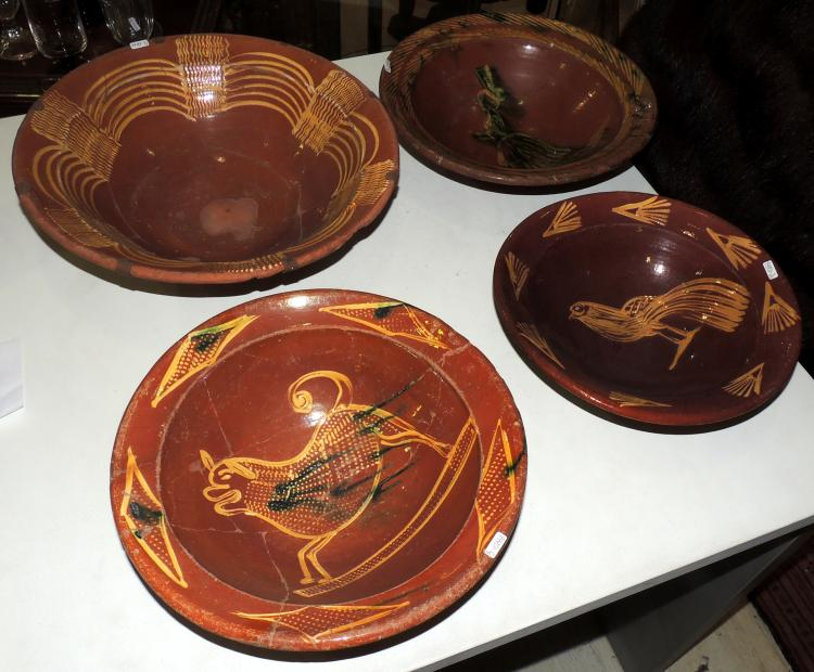 MALLORCA S.XVIII PLATE COLLECTION in enameled terracotta. Larger diameter: 38 cm. Minor: 28 cm.
