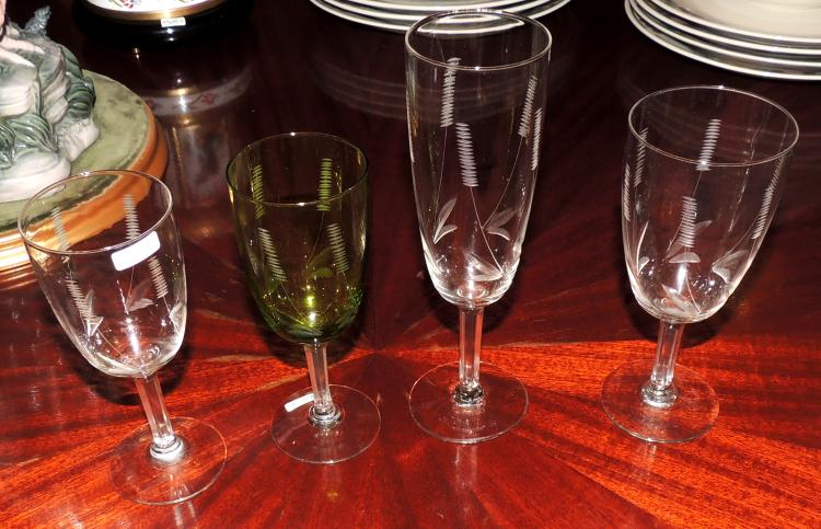 GLASSWARE in cut glass composed of: Nine glasses of water, six white wine green, six red wine, six cava and eight sherry.