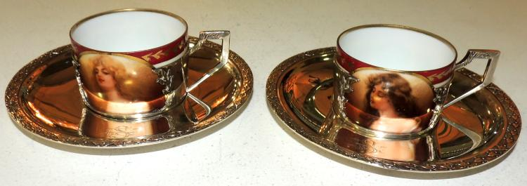 COFFEE COFFEE COUPLE in silver with Vienna-style porcelain pozuelos with bust decoration for women.Marks in the base.