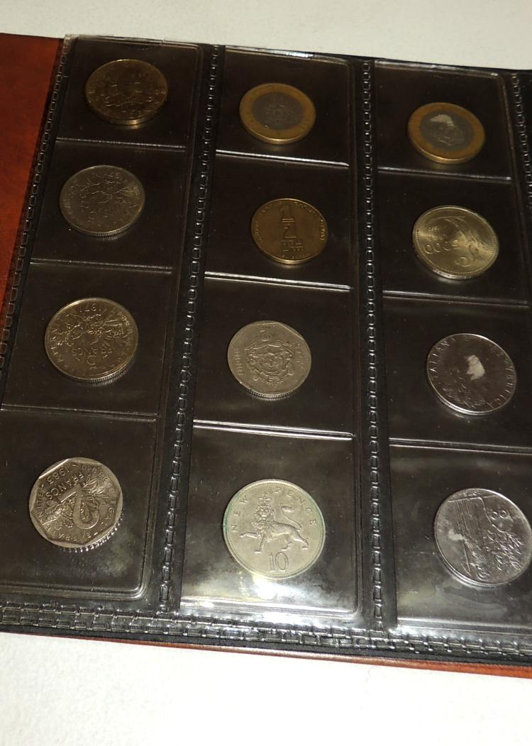 COLLECTION OF 180 COINS from different countries of the world inside its box.