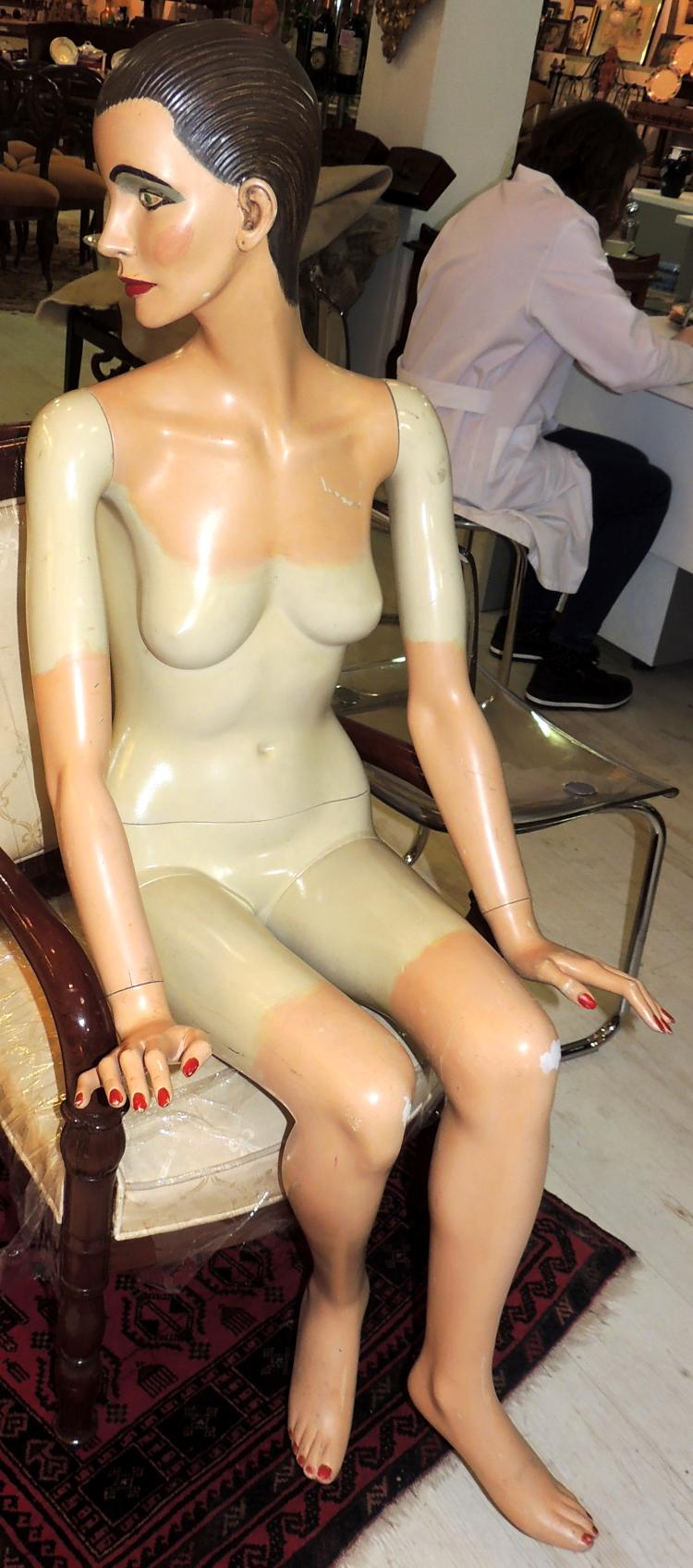 MANNEQUIN YEARS 60 life size and polychrome.