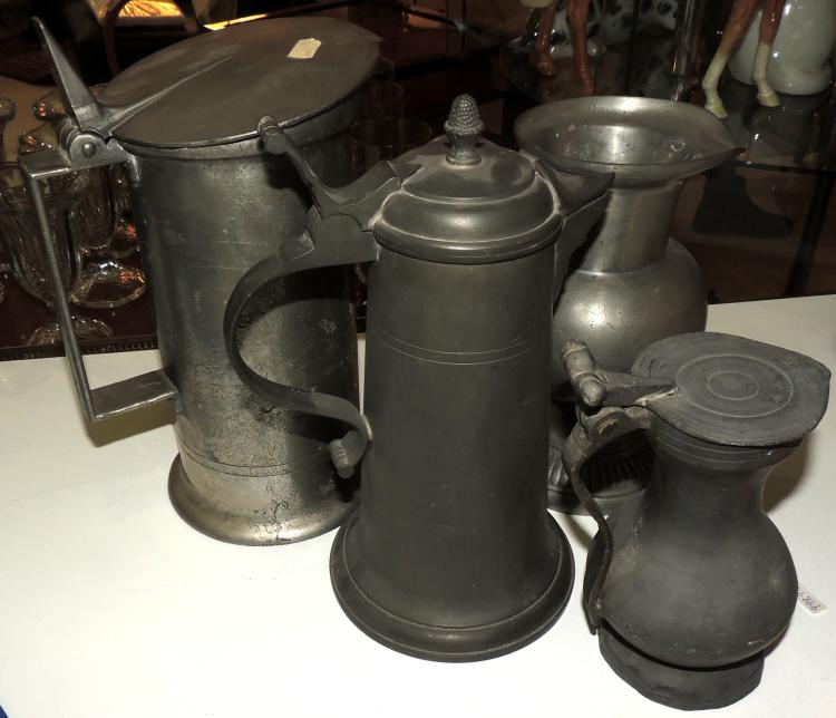 ANTIQUE BEER JARS COLLECTION in tin.Maximum height: 25 cm.