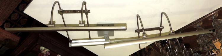 THREE APPLIQUES FOR MULTI-POSITION METAL DESIGN PICTURES.Measures: 35x60x30 cm.