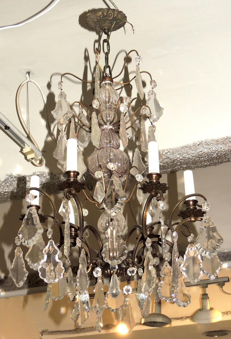 CEILING LAMP of six lights with glass pendelocks in different levels. Height approx .: 90 cm.