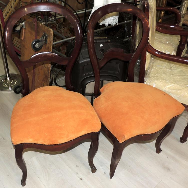 SET OF SIX ISABELINE CHAIRS in mahogany wood with upholstered seat and back in boiler color.