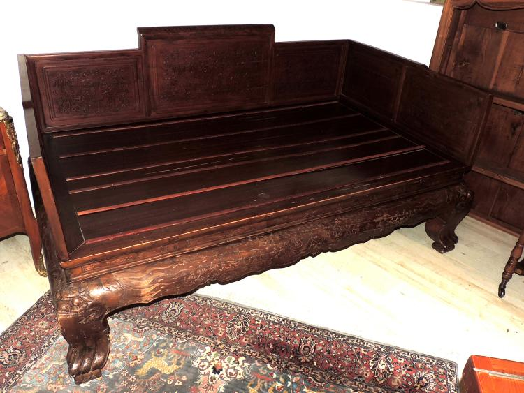 OLD EASTERN BED in carved wood with flowers motif with side panels.Measures: 94x210x125 cm.