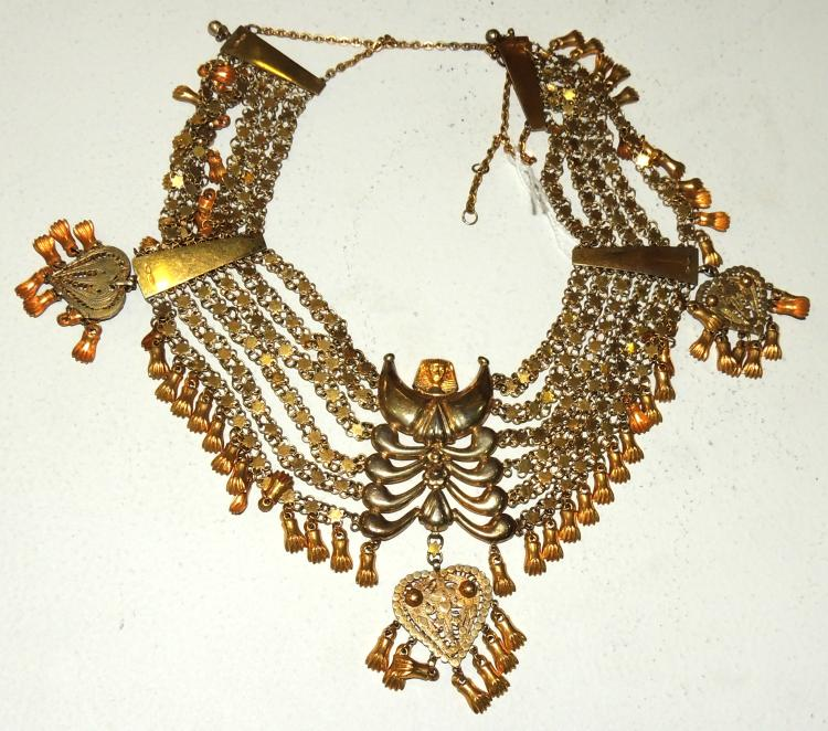 EGYPTIAN NECKLACE COLLAR in gold metal with heart detail.Length: 29 cm.