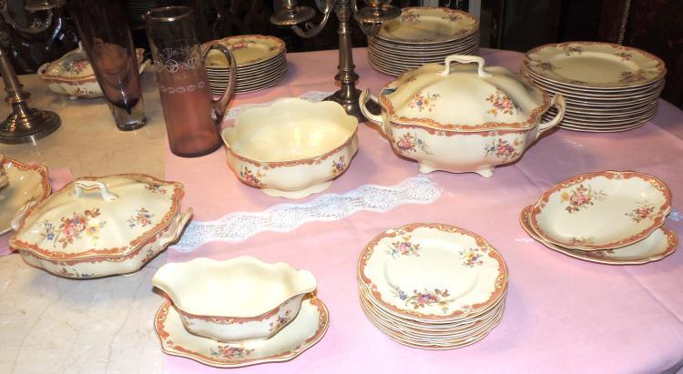 Dinner service in victorian johnson bros english pottery - Johnson brothers vajilla ...