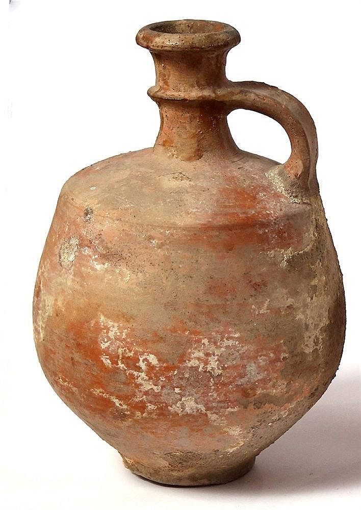 A JUDAHITE CERAMIC WINE DECANTER Iron Age II, 8th-7th century BCE. Slightly repaired at the top