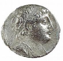 DEMETRIUS II, 129 – 125 BCE. Silver tetradrachm, 13.6 gr. Mint of Tyre. Obv.: Head of Demetrius