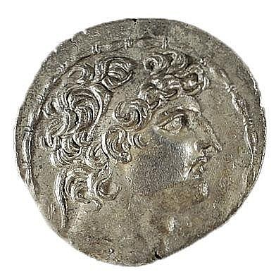 ANTIOCHUS VIII, 121 – 96 BCE Silver tetradrachm 16.4 gr. Obverse: Head of Antiochus to r. Rever