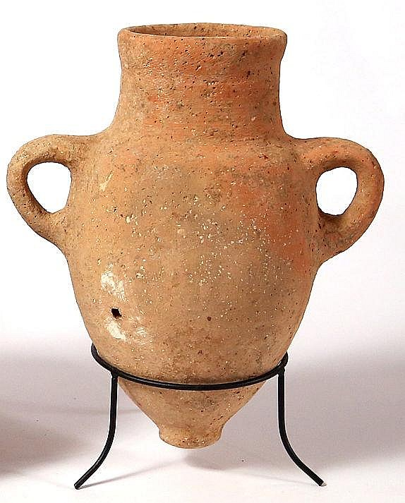 A TERRACOTTA AMPHORISKOS Iron Age II, ca. 8th century BCE. In very good condition. 15.5 cm in d