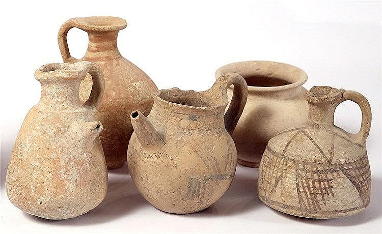 A LOT OF 5 TERRACOTTA VESSELS A Middle Bronze bowl, 10.7 cm in diam., a Middle Bronze Age decor