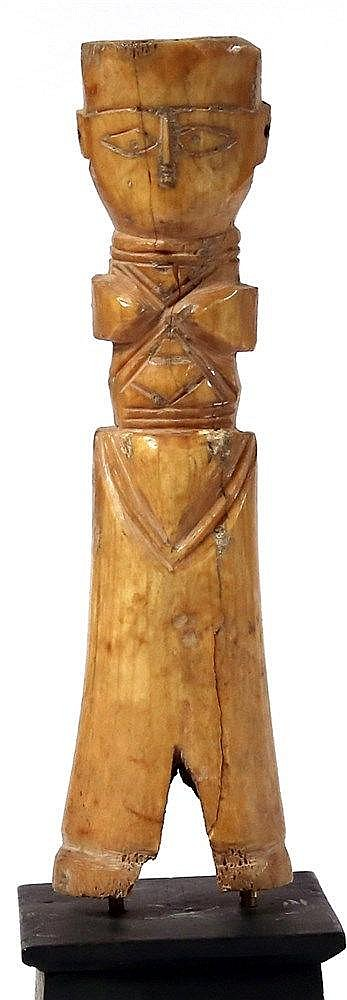 AN EARLY ISLAMIC BONE DOLL 7th-11th century CE. In very good condition. 17.3 cm high. Ex Israel Rose