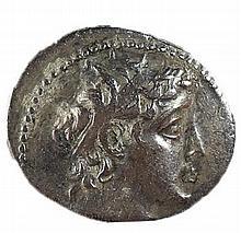 DEMETRIUS II, 129 – 125 BCE. Silver tetradrachm, 13.7 gr. Mint of Tyre. Obv.: Head of Demetrius