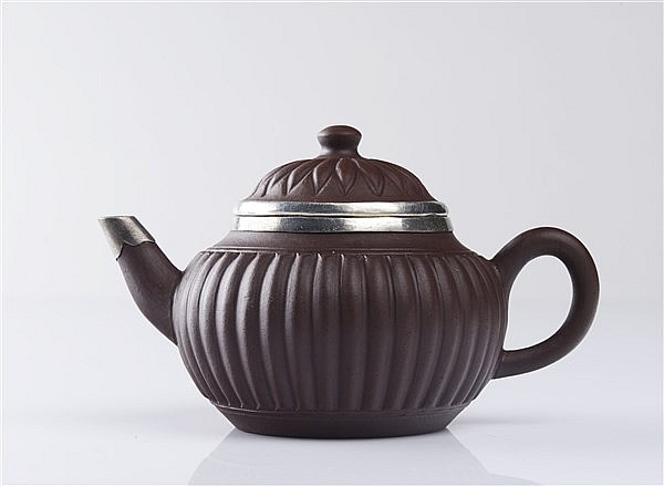 YIXING TEAPOT AND COVER