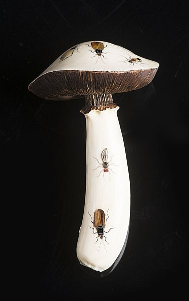 A SHIBAYAMA INLAID IVORY MUSHROOM WITH INSECTS