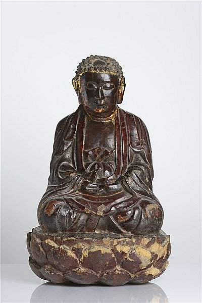 A GILT AND LACQUERED WOOD FIGURE OF BUDDHA
