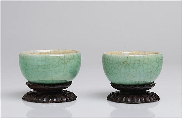 A PAIR OF TURQUOISE CRACKLE-GLAZED CUPS