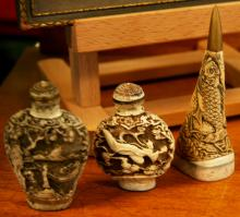3x Chinese snuff bottles