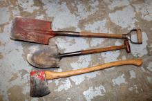 Vintage Kelly Axe + spade and shovel